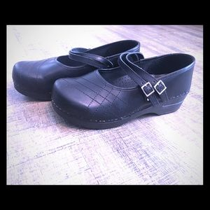 Sanita Women's Mary Jane Black Clogs size 40